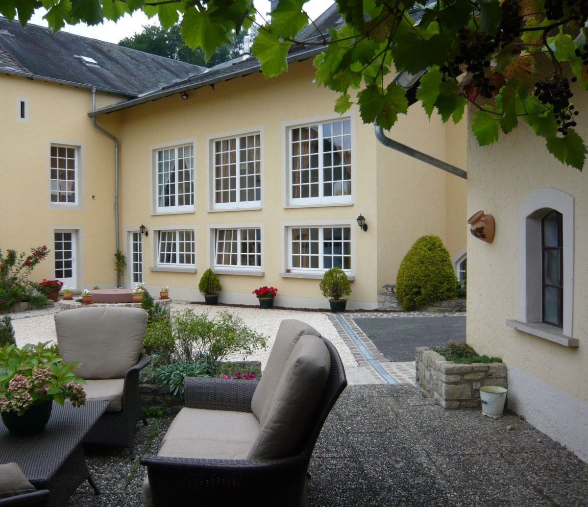 Exclusive property for sale in rameldange fare real for Luxembourg homes