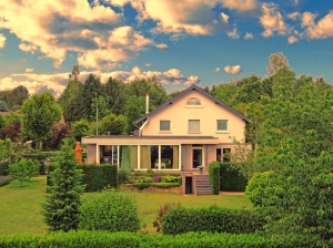 Seningen Property